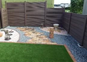 樹脂フェンス 施工事例 人工芝と石畳